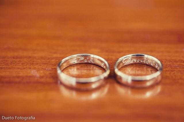 como cuidar tu anillo de compromiso y aro de matrimonio
