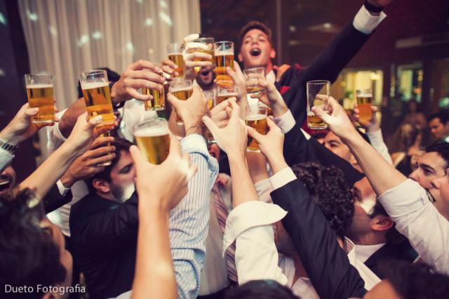 cervezas en matrimonios