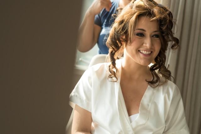 Novia feliz - Matrimonio Roma y Guti