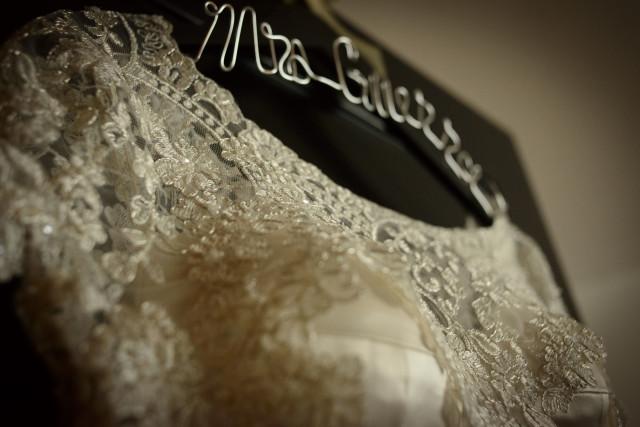 Percha personalizada para novias