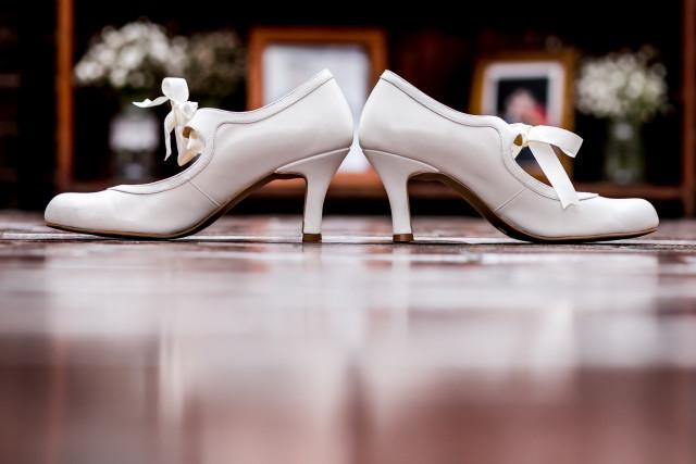 zapatos-de-matrimonio-blancos
