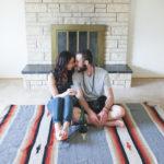 Sesión de fotos de recién casados en casa
