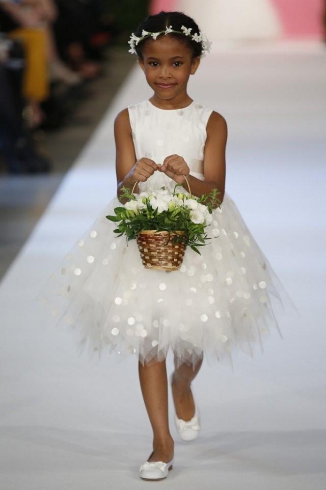 Damita con vestido de Oscar de la Renta