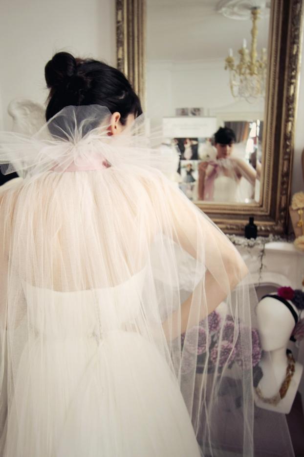 Vestido de novia con capa de la bloggera de modas francesa Alix