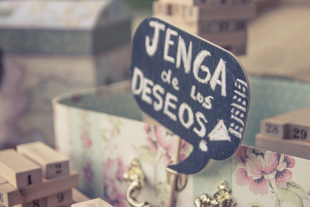 Jenga para la decoración de matrimonios