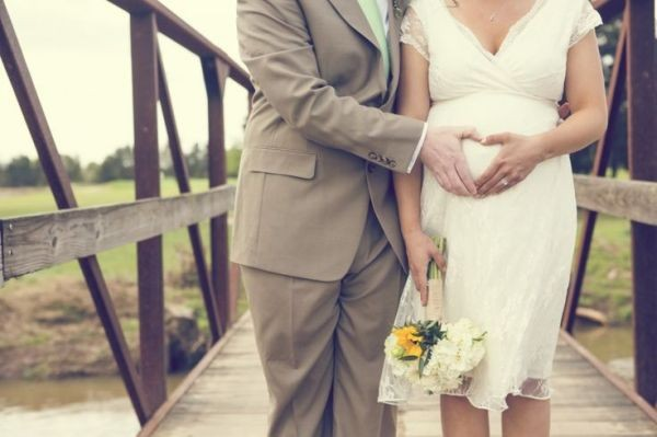 vestido-de-novia-embarazada-brittany-drosos-2