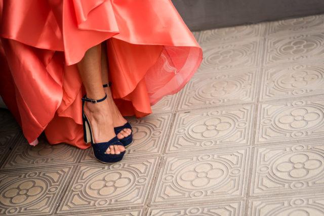 editorial-velodevainilla-verano2018-vestido-RosaClara-azul-y-naranja (16)